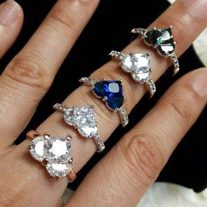 Jewelry - Set of 5 crystal heart rings